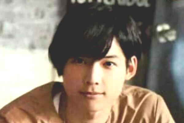 松村北斗の出身中学校+高校+大学はどこ?同級生や昔のエピソードは?画像も!