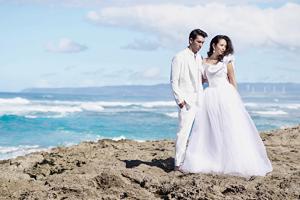 【ハワイ】水中で着られるマリンドレスでウエディングフォトを!