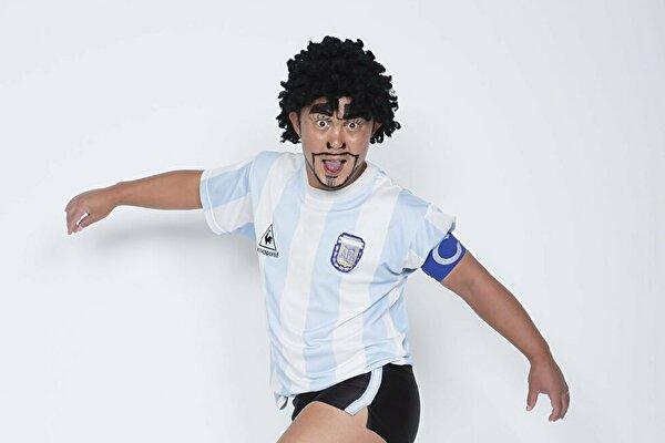 ディエゴ・加藤・マラドーナの本名やものまねは?サッカーが上手い!