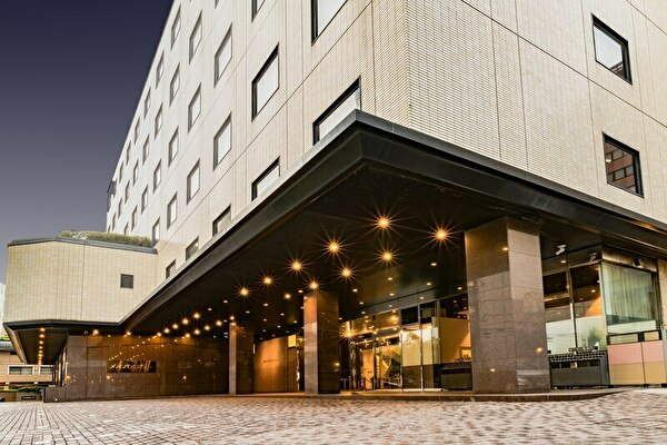 若宮潤一(岩田剛典)が病院の地下駐車場からバイクで走り始めるシーンのロケ地はメルパルク東京