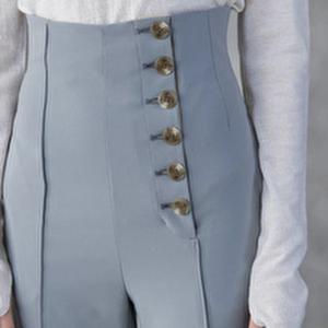 【まだ結婚できない男/2話】吉田羊/着用衣装(パンツ):HIGH WAIST TAPERED PANTS